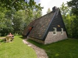 Vergrote afbeelding van Bijzonder overnachten d'Olde Kamp Plaggenhut in Ansen