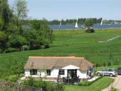 Vergrote afbeelding van Bungalow, vakantiehuis Maria Hoeve Logies in Woubrugge