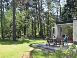 Tweede extra afbeelding van Bungalow, vakantiehuis Camping Besthmenerberg in Ommen