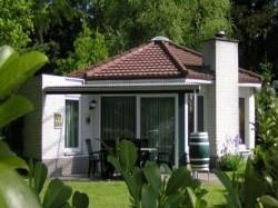 Vergrote afbeelding van Bungalow, vakantiehuis Bungalowpark Het Verscholen Dorp in Harderwijk