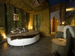 Vergrote afbeelding van Bijzonder overnachten Hunebedslaapkamer Best Western Hotel Stadskanaal in Stadskanaal