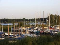 Vergrote afbeelding van Passantenhaven, Jachthaven Vakantiepark Eiland van Maurik in Maurik