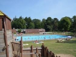 Eerste extra afbeelding van Bungalow, vakantiehuis Camping Besthmenerberg in Ommen