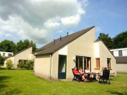 Vergrote afbeelding van Bungalow, vakantiehuis Villapark Panjevaart in Hoeven