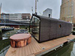 Vergrote afbeelding van Bijzonder overnachten Wikkelboat – The Red Apple Marina  in Rotterdam