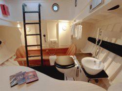 Vergrote afbeelding van Bijzonder overnachten Bijzonder overnachten op reddingsboot Lilla Marras in Harlingen