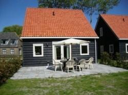 Vergrote afbeelding van Bungalow, vakantiehuis Esdoorn, Meidoorn en Populier in Ballum (Ameland)