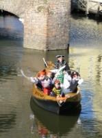 Eerste extra afbeelding van Rondvaart, Botenverhuur Fluisterboot Zutphen in Zutphen