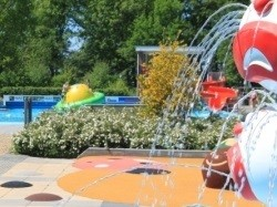 Vergrote afbeelding van Zwembad Bosbad Zwinderen in Zwinderen