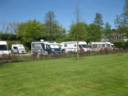 Camperplaats Het Uilennest in Hurwenen